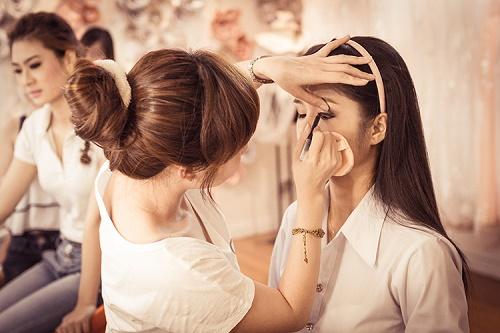 tìm hiểu du học ngành make up